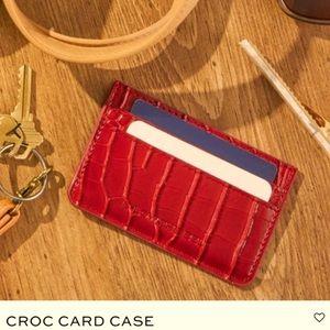 🆕❤️2/$30❤️B-Low The Belt Croc Card Case